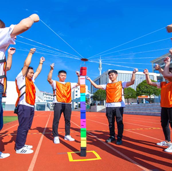 中山拓展训练团建为青少年树立正确的价值观